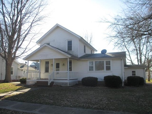 Photograph of 110 W C St., Alpha, IL 61413