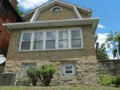 Photograph of 302 W 4th Ave, Williamson, WV 25661