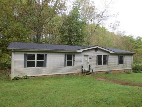 Photograph of 526 Shelter Baptist Church Rd, Crumpler, NC 28617