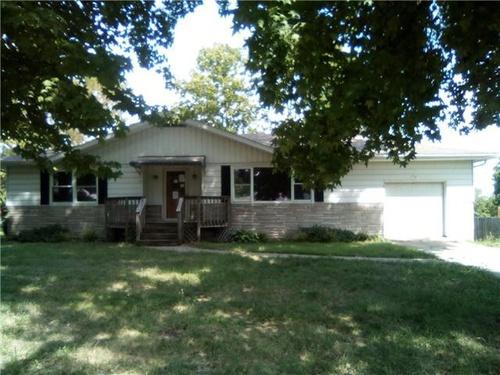 Photograph of 8404 Hillview Dr, Belleville, IL 62223