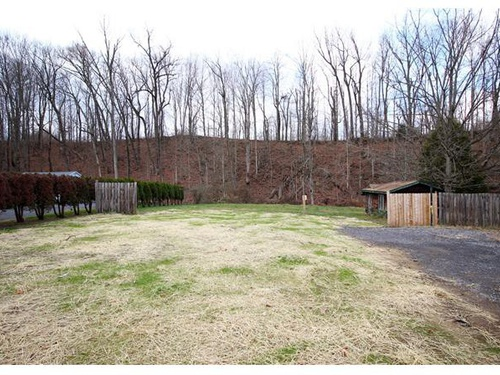 Photograph of 195 Old Fort Rd, Spring Mills, PA 16875
