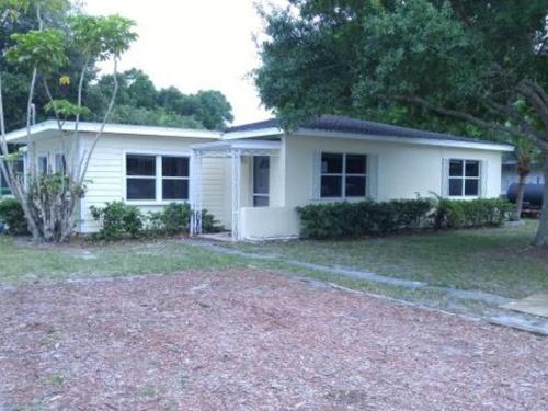 Photograph of 2186 33rd Ave, Vero Beach, FL 32960