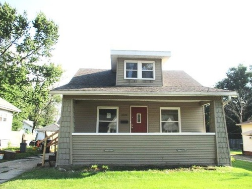 Photograph of 1020 W Gift Ave, Peoria, IL 61604