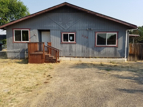 Photograph of 308 W Gregory Road, Central Point, OR 97502