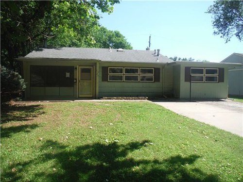 Photograph of 1529 SW 24th St, Topeka, KS 66611