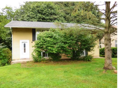Photograph of 215 S West St, Coloma, MI 49038