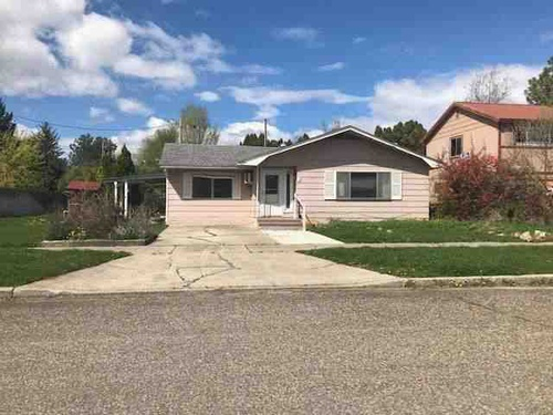 Photograph of 621 E 8th St, Weiser, ID 83672