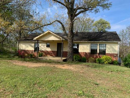 Photograph of 236 Bowdoin Rd, Deatsville, AL 36022