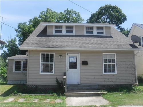 Photograph of 107 Middle Ave, Millville, NJ 08332