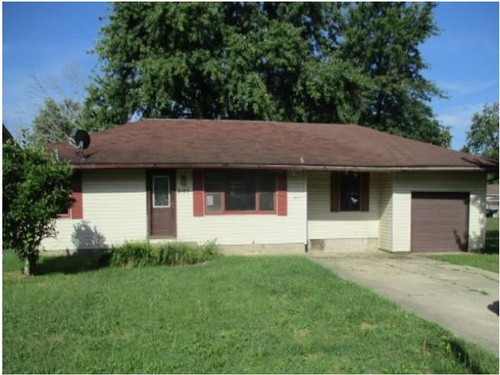 Photograph of 2105 N Ault Ave, Muncie, IN 47303