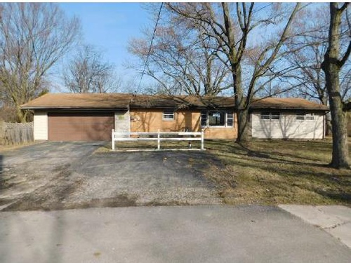 Photograph of 8207 Lincoln St, Merrillville, IN 46410