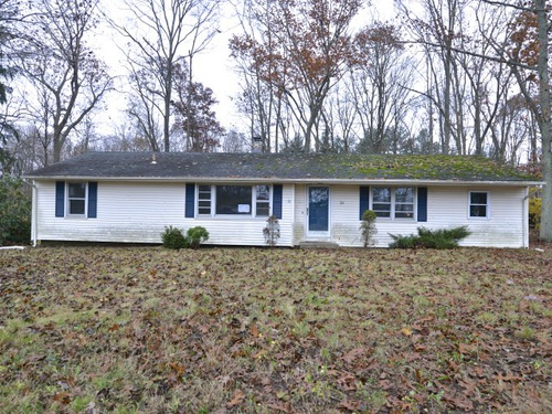 Photograph of 28 Maplewood Ln, Northford, CT 06472
