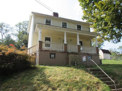 Photograph of 31 Penn St, Manor, PA 15665