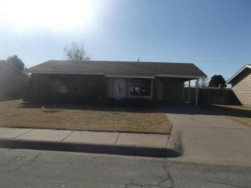 Photograph of 1712 E Pecan Avenue, Midland, TX 79705