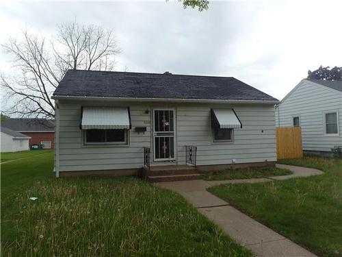 Photograph of 7322 W Potomac Ave, Milwaukee, WI 53216