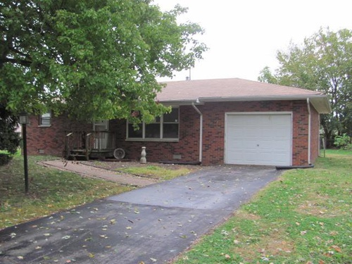 Photograph of 117 Avalon St, Wood River, IL 62095