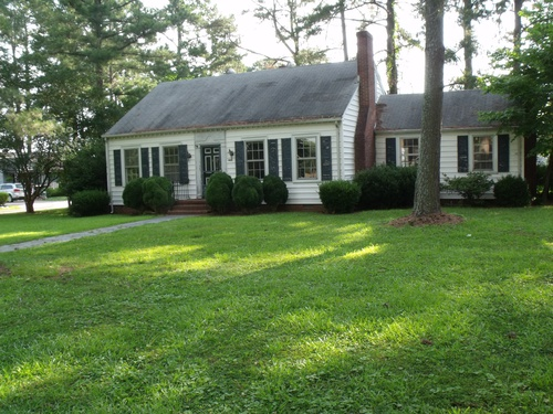 Photograph of 406 Pike St, Enfield, NC 27823