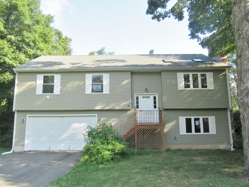 Photograph of 10 Country Club Road, Middletown, CT 06457