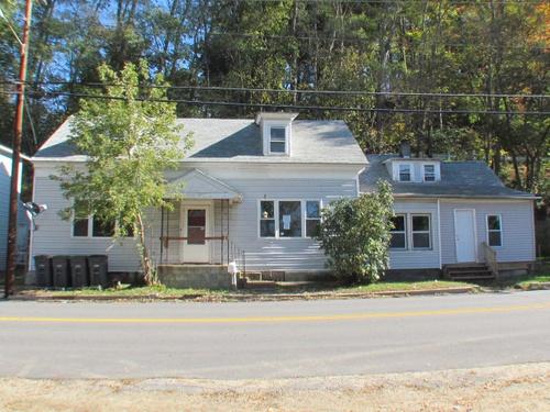 Photograph of 52 Merrimack St, Hooksett, NH 03106