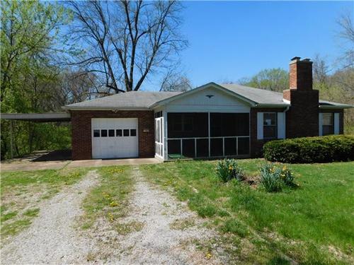 Photograph of 2312 Fairview Cir, Belleville, IL 62226