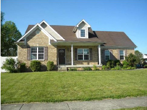 Photograph of 7700 Conifer Dr, Louisville, KY 40258