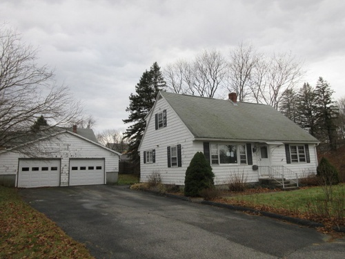 Photograph of 2 4th Ave, Dudley, MA 01571