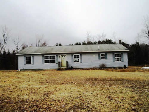 Photograph of 143 Middle Rt, Belmont, NH 03220