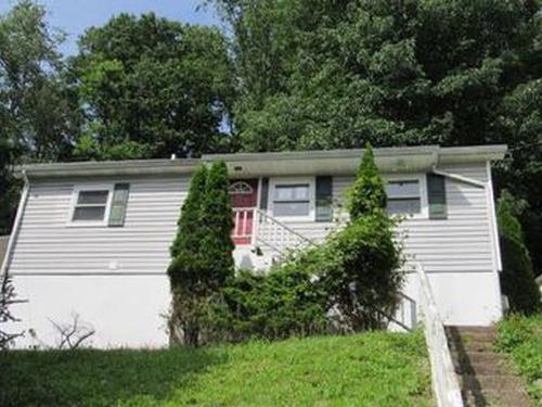 Photograph of 1218 Ashwood Rd, Charleston, WV 25314