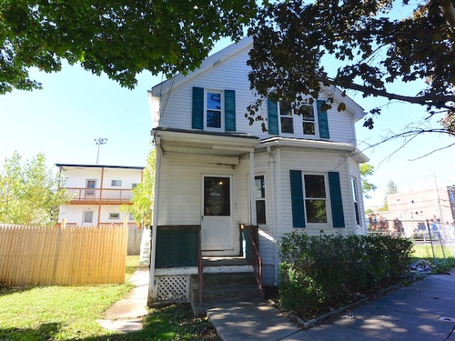 Photograph of 168 Garfield Ave, Chelsea, MA 02150
