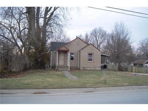 Photograph of 1309 Parker Ave, Osawatomie, KS 66064