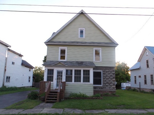 Photograph of 315 N California Ave, Watertown, NY 13601