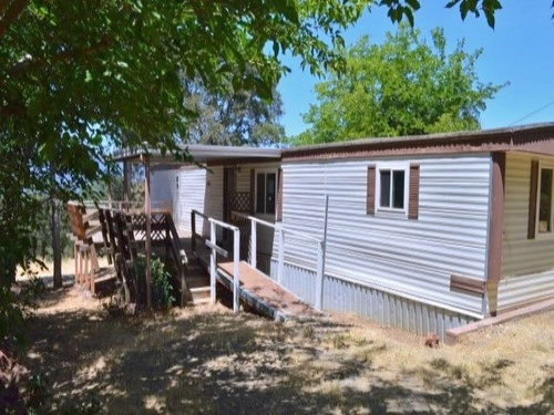 Photograph of 3841 Pine Ave, Clearlake, CA 95422