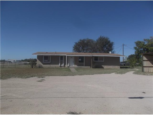 Photograph of 1814 SE 2001, Andrew, TX 79714