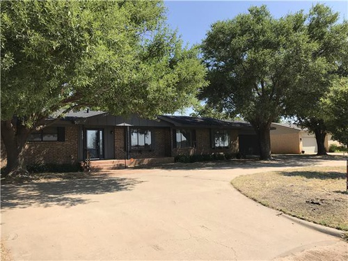 Photograph of 1212 E 17th St, Colorado City, TX 79512