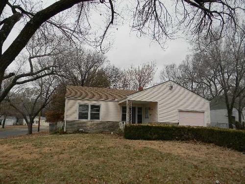 Photograph of 1027 Prairie Park Rd, Wichita, KS 67218