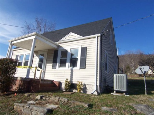 Photograph of 1252 W Jackson St, Gate City, VA 24251