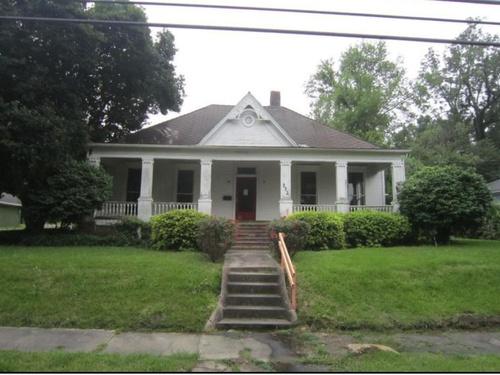 Photograph of 352 E Center St, Canton, MS 39046