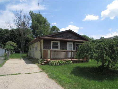 Photograph of 2212 Meadowlawn Dr, Holt, MI 48842