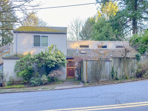 Photograph of 3140 SW Fairview Blvd, Portland, OR 97205