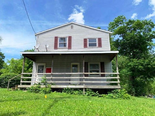 Photograph of 2103 Turnpike Rd, Auburn, NY 13021