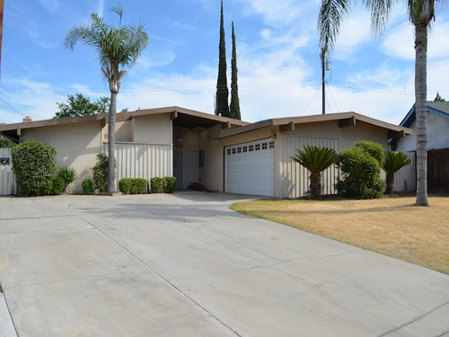 Photograph of 3707 Lillian Way, Bakersfield, CA 93309