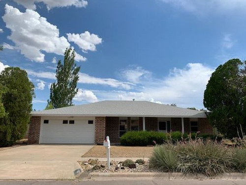 Photograph of 902 E Vista Pkwy, Roswell, NM 88201