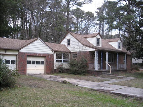 Photograph of 429 Smiths Ln, Virginia Beach, VA 23452
