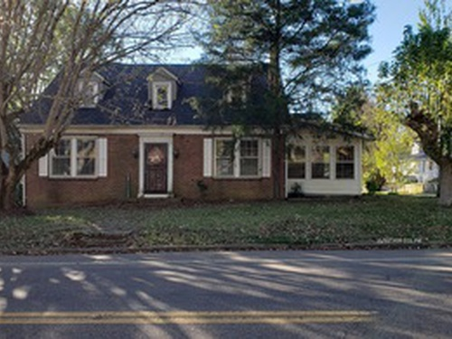 Photograph of 119 N Forrest Ave, Camden, TN 38320