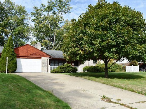 Photograph of 1038 Laurelwood Rd, Mansfield, OH 44907