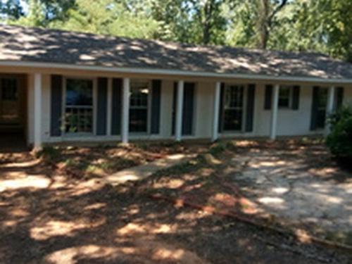Photograph of 4220 Hillswood Ln, Tuscaloosa, AL 35404