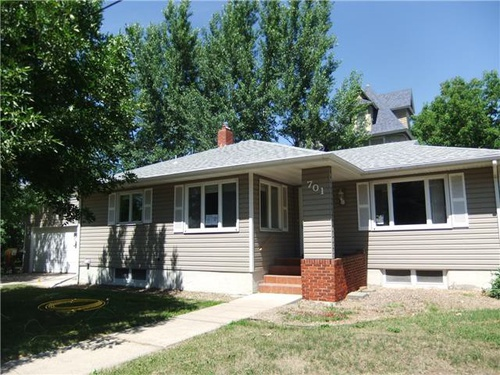 Photograph of 701 N Meade Ave, Glendive, MT 59330