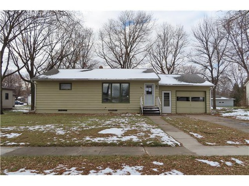 Photograph of 330 East St, Echo, MN 56237