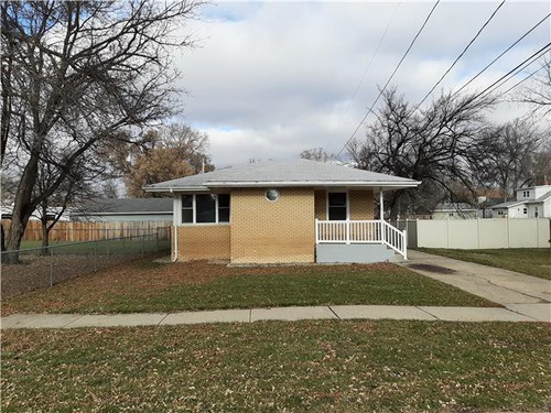 Photograph of 1116 6th Ave NW, Minot, ND 58703