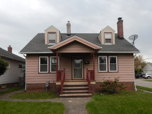 Photograph of 6702 Gilbert Ave, Parma, OH 44129